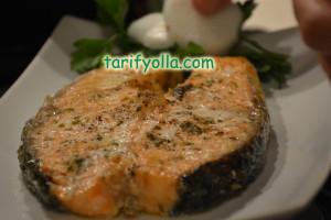 fırında baharatlı somon balığı