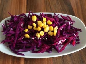 lokanta usulü lahana salatası