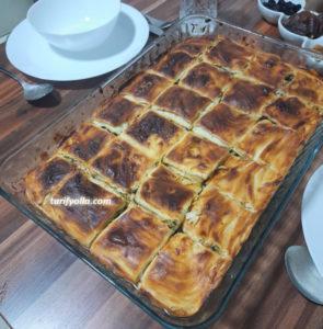 ıspanaklı el açması börek nasıl yapılır
